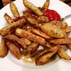 This is Bonnie's idea. She made this today so I had to make myself a batch as well! Ingredients: 4-5 medium potatoes 1/2 tsp onion powder 1/2 tsp garlic powder 1 tbsp Italian herb seasoning (oregano/basil) – use more to coat the fries as desired 1 tsp (or more) of dill weed 1 tsp Lawry's …