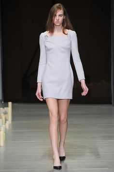 Marios Schwab Fall 2014 Ready-to-Wear Collection Slideshow on Style.com