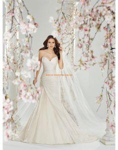 Régiesből inspirált Taft Fűzős Menyasszonyi ruhák 2014