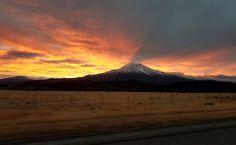 Sunrise over Mt Shasta Mt Shasta California [OC] [40322478] #reddit