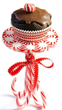 How to Make a Peppermint Cupcake Stand ~ Tutorial