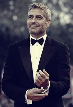 Love him. George Clooney... The older he gets, the more gorgeous he is!