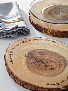 Use a wood burning tool to create personalized wood plate chargers. Perfect for fall!