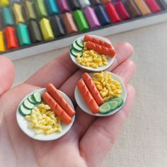 Dollhouse miniature in scale 1 Dollhouse decoration . For Lol surprise, Calico Critters etc. Miniature Kitchen, Miniature Crafts, Miniature Food, Tiny Food, Fake Food, Polymer Clay Miniatures, Dollhouse Miniatures, Diy Doll Laptop, Adrien Y Marinette