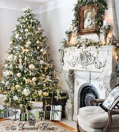 The Decorated House :: White Christmas with Silver and Black