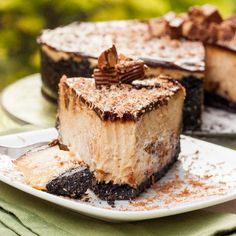 Reeses Cheesecake with Oreos and Peanut Butter