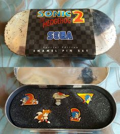 Sonic the Hedgehog 2 special edition Enamel pin set Slight rust to case due to age (as can be seen in photos) Essential for any collector! Thanks for looking   eBay!
