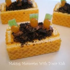 Little garden: wafer cookies, frosting, oreo cookie crumbs, orange mike and ikes, and green licorice Wafer Cookies, Oreo Cookies, Chocolate Cookies, Chocolate Frosting, Holiday Treats, Holiday Recipes, Holiday Fun, Just Bake, Cookie Crumbs