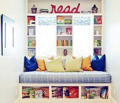 decorar quarto pequeno com almofadas coloridas