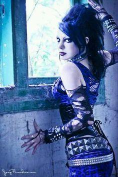 Goth girl #gothic #fashion #gothic_fashion #goth