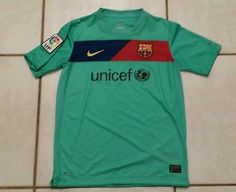 RARE  Nike Fit Dry  Barcelona  FCB  Spain Soccer Jersey Youth  Large