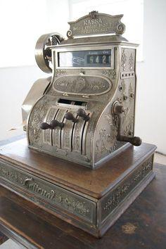 old cash register!