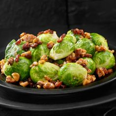 Maple Bacon Brussels Sprouts, a recipe from the ATCO Blue Flame Kitchen's Holiday Collection 2015 cookbook. Vegetable Ideas, Vegetable Dishes, Paleo Bacon, Brussels Sprouts, Veggie Recipes, Side Dishes, Eye Candy, Thanksgiving, Stuffed Peppers