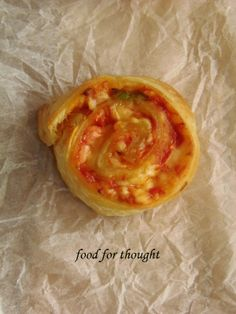 Food for thought: Πιτσάκια ρολά Pizza Rolls, Food For Thought, Pineapple, Pudding, Thoughts, Fruit, Cooking, Desserts, Recipes
