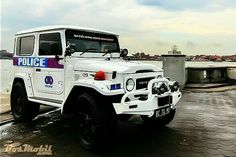 police Police Cars, Police Vehicles, Toyota Fj40, Car Badges, Toyota Land Cruiser, Concept Cars, Offroad, Monster Trucks, Adventure