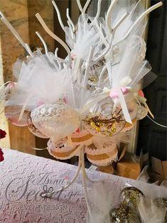 διακόσμηση βάπτισης με χριστουγεννιάτικο θέμα, annassecret, Χειροποιητες μπομπονιερες γαμου, Χειροποιητες μπομπονιερες βαπτισης Christmas Decorations, Gift Wrapping, Gifts, Party Ideas, Gift Wrapping Paper, Presents, Wrapping Gifts, Ideas Party, Favors