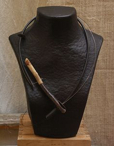 COLLIER CONTEMPORAIN CUIR ET BOIS - Asymmetrical driftwood necklace , leather and steel wire