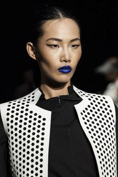 Blue lipstick and more #bluemakeup on Anything-Blue.com - Mercedes-Benz Fashion Week Australia Spring/Summer 2013/14
