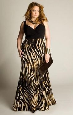 The ultra-comfortable plus size maxi dress is updated with a bold print and contrasting bodice. This designer plus size fashion has amazing fit, beautiful fabrics and brilliant patterns. Plus Size Maxi Dresses, Plus Size Outfits, Cute Dresses, Dresses 2014, Bride Dresses, Summer Dresses, Cheap Dresses, Curvy Girl Fashion, Plus Size Fashion