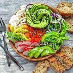 Ratatouille, Avocado Toast, Food Porn, Vegetables, Eat, Breakfast, Ethnic Recipes, Desserts, Inspiration