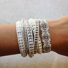White Bone Mix Silver Wrap Bracelet on Natural White Leather - Chan Luu Bracelets Wrap En Cuir, Beaded Wrap Bracelets, Bohemian Bracelets, Hippie Jewelry, Beaded Jewelry, Handmade Jewelry, Jewelry Necklaces, Bracelet Tutorial, Loom Beading