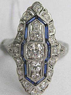 DIAMOND-SAPPHIRE DINNER RING