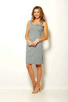 Philanthropic apparel designer Sara Campbell creates timeless silhouettes for women. Based in Boston, the collection is made in the USA. Boston Shopping, Eyelet Dress, Summer 2015, Gingham, Formal Dresses, My Style, Collection, Women, Fashion