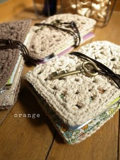 Crochet notebook covers|orange // Would make a nice needle case :)
