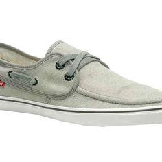 Confira modelos de calçados feitos com material reciclado