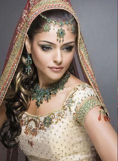 #indianweddingdress2012  ♥ follow more high quality Jourdan Dunn content at pinterest.com/shop4fashion/hottest-of-the-honey-pot
