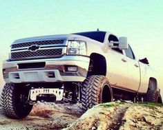 Lifted. Chevy Silverado 2500HD