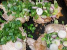 Fabulosa receta para Pollo a la crema en planchetta de hierro. Potato Salad, Potatoes, Chicken, Ethnic Recipes, Food, Recipes With Chicken, Ethnic Food, Vegetables, Iron