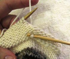 Sukka kantapään kautta eli neulo kantapää ensin   Punomo Knitting, Accessories, Fashion, Moda, Tricot, Fashion Styles, Breien, Stricken, Weaving