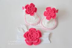 Crochet baby set, baby sandals and headband, baby slippers, tieback, baby booties, shoes, white, pink, gift idea, flower, 6-9  months by EditaMHANDMADE on Etsy https://www.etsy.com/uk/listing/226048158/crochet-baby-set-baby-sandals-and