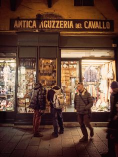 Where to shop in Bologna Italy and other must-do experiences in this food lovers city.
