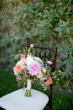 Ruffled – photo by http://www.amber-lynn-photography.com/ – http://ruffledblog.com/love-grows-wedding-inspiration/