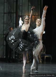 Polina Semionova and Mikhail Kaniskin in Swan Lake (Chor. Patrice Bart from Marius Petipa) with Staatsballet Berlin Photo by Bettina Stöß Ballet Images, Ballet Photos, Ballet Beautiful, Beautiful Dream, Polina Semionova, Male Ballet Dancers, Ballerina Project, Russian Ballet, Dance Tights