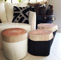 coole schöne hocker aus baumstamm gemacht - neben einem sofa