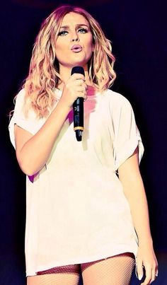 Perrie is so beautiful and i love her hair so much ugh i love everything about her