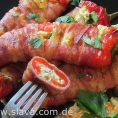 Filled pointed peppers with bacon and a creamy sheep& cheese filling Slava . - Filled pointed peppers with bacon and a creamy sheep& cheese filling Cooking and baking slava - Barbecue Recipes, Grilling Recipes, Sheep Cheese, Le Diner, Salad Ingredients, Food Lists, Finger Foods, Food Inspiration, The Best