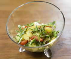 Mediterraner Kartoffelsalat mit Rucola und Tomaten