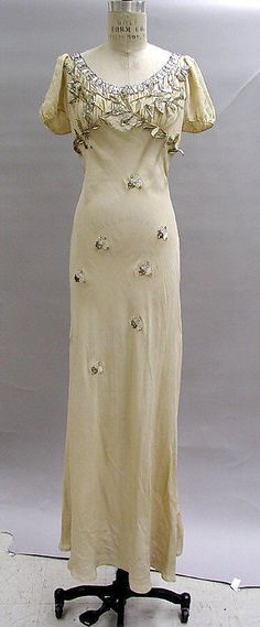 Court Presentation Ensemble.  Elsa Schiaparelli (Italian, 1890–1973).  Date: fall 1938. Culture: French. Medium: silk, feathers.