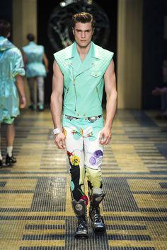 #Flower #Print - Versace Men's Spring Summer 2013 New Hip Hop Beats Uploaded EVERY SINGLE DAY http://www.kidDyno.com