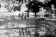 Ponte sobre o rio Belém no Passeio Público.