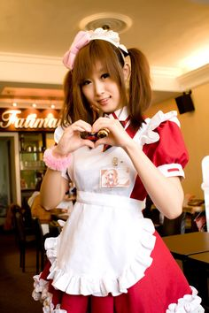 Go to a maid cafe. In April of I went to my first maid cafe. It just seemed like an experience I couldn't pass up. Who lives in Japan and never goes to a maid cafe? Maid Cosplay, Cosplay Girls, Butler Costume, Victorian Maid, Lgbt, French Maid Dress, Maid Uniform, Maid Outfit, Coffee Girl