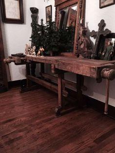 Antique-carpenter-workbench