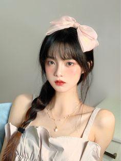 Asian Makeup Looks, Korean Makeup Look, Kawaii Hairstyles, Girl Hairstyles, Uzzlang Girl, Hair Reference, Cute Korean Girl, Girl Short Hair, Cute Makeup