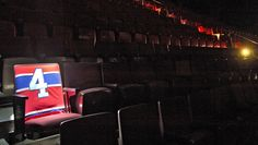 Beliveau's Seat Montreal Canadiens, Hockey Stuff, National Hockey League, World Of Sports, Hockey Players, Baseball, Canoe, A Team, Nhl