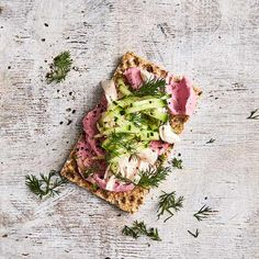 A healthier WW recipe for Crispbread topped with beetroot dip and chicken ready in just min. Get the SmartPoints value plus browse other delicious recipes today! Ww Recipes, Delicious Recipes, Snack Recipes, Yummy Food, Snacks, Ww App, Beetroot Dip, Recipe Today, Healthy Chicken Recipes