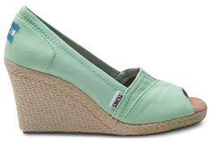 Go for casual-chique with these canvas wedges in our favorite color: green!